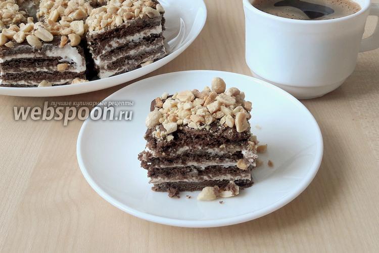 Фото Шоколадное пирожное с солёным арахисом без выпечки