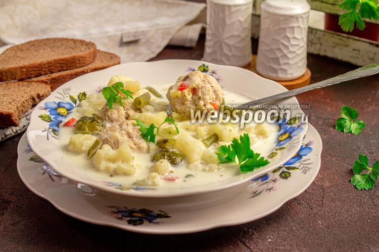 Фото Сливочно-сырный суп с фрикадельками и цветной капустой