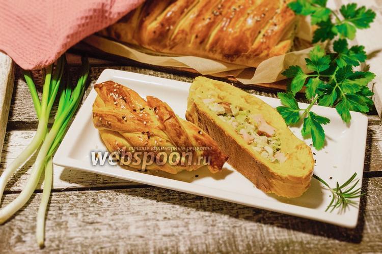 Фото Плетёный пирог с курицей, ветчиной и брокколи