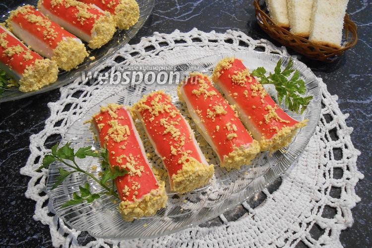 Фото Закуска из плавленого сыра в крабовых палочках