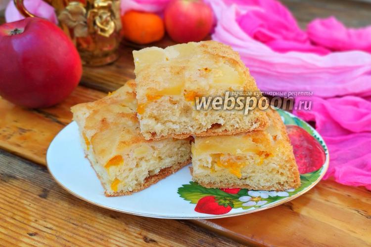 Фото Бисквитный пирог с мандаринами и яблоками