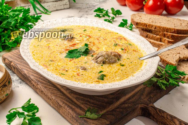 Фото Сырный суп с консервированной горбушей
