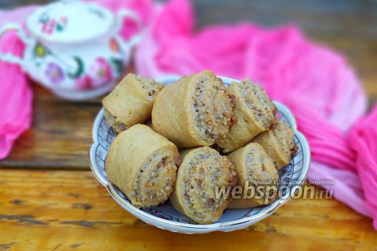Фото Рулетики с орехами на кефире