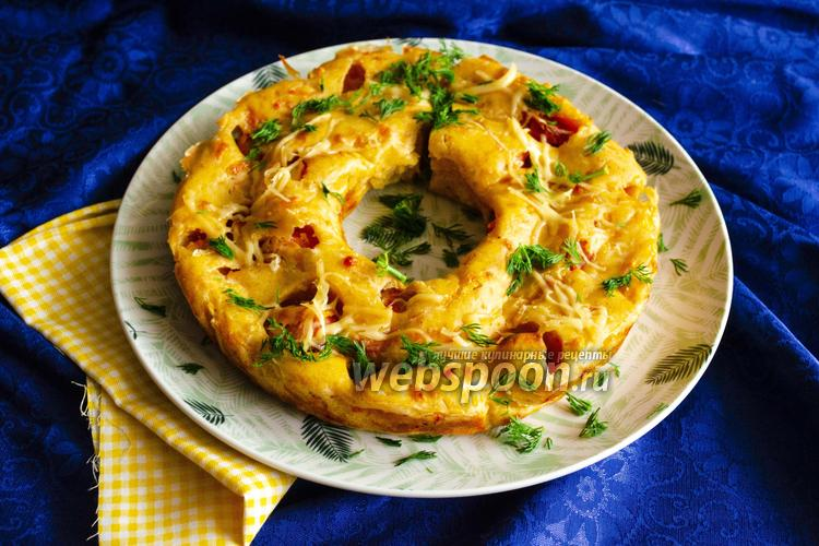 Фото Заливной пирог с сыром и сосисками