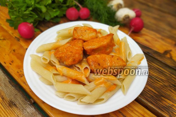 Фото Куриное филе в томатно-чесночном соусе в духовке