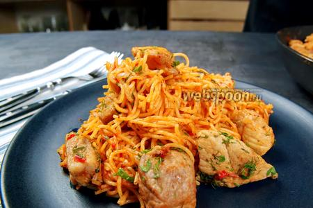 Ленивые спагетти с мясом на сковороде. Видео видео рецепт