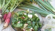 Фото рецепта Салат из редиски и щавеля