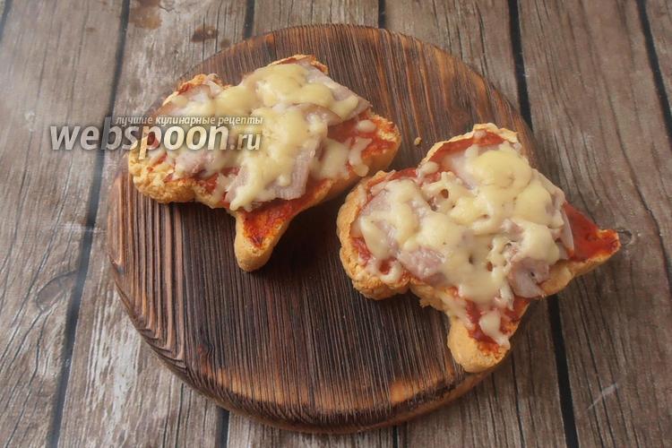 Фото Кето бутерброды с грудинкой и томатным соусом