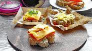 Фото рецепта Горячие бутерброды с бужениной и сыром