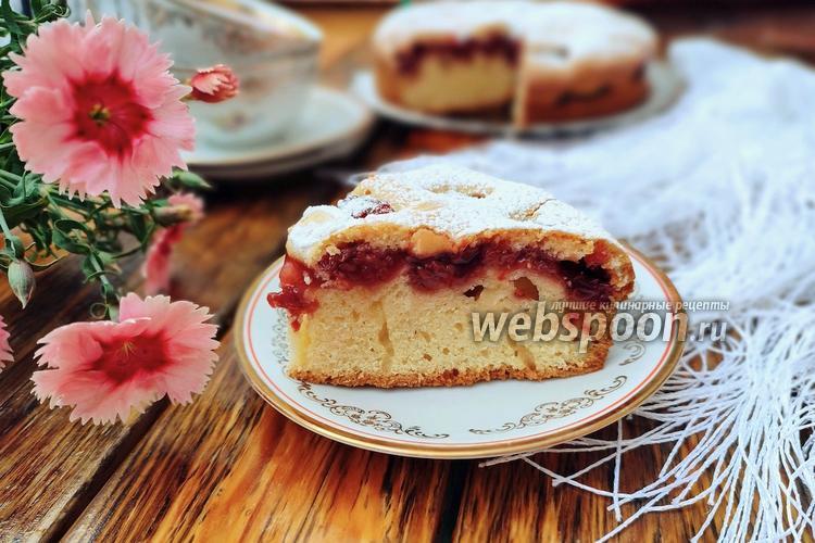 Фото Заливной пирог с вишневой начинкой