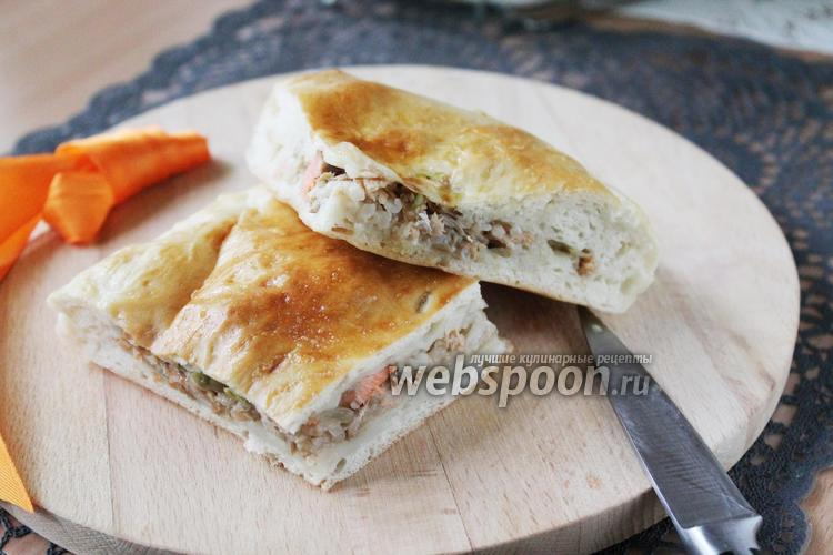 Фото Пирог с варёной кетой и рисом