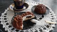 Фото рецепта Десерт из творога с вареньем в шоколаде