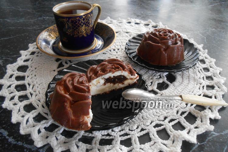 Фото Десерт из творога с вареньем в шоколаде