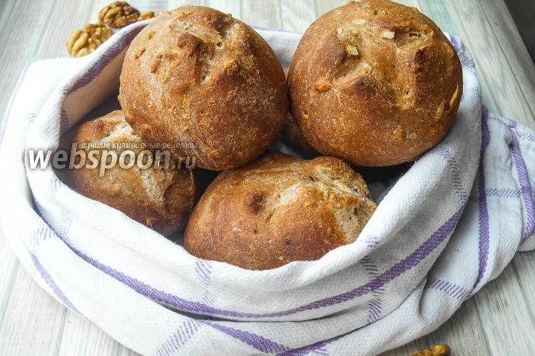 Фото Цельнозерновые булочки с орехами и семечками