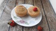 Фото рецепта Постные кексы с овсяной мукой и клубникой
