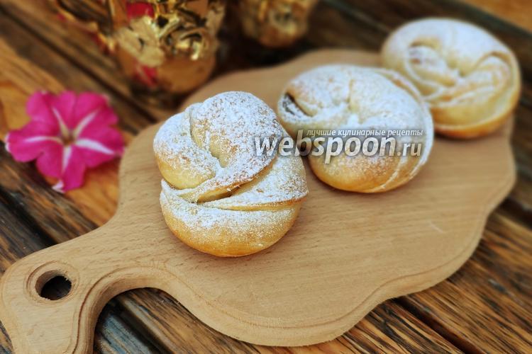 Фото Булочки улитки с яблоком и вареньем