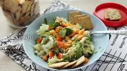 Фото рецепта Салат из авокадо, капусты и груши