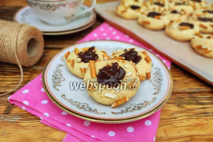 Фото Печенье с солёной соломкой и шоколадом