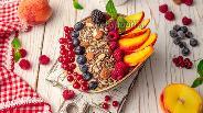Фото рецепта Смузи-боул из персиков с голубикой