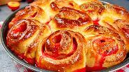 Фото рецепта Пироги с яблоками и сливами. Видео