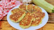 Фото рецепта Кабачковые оладьи с творогом и сыром