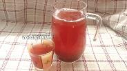 Фото рецепта Компот из клубники и красной смородины