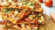 Фото рецепта Овощная пицца на лаваше с сосисками