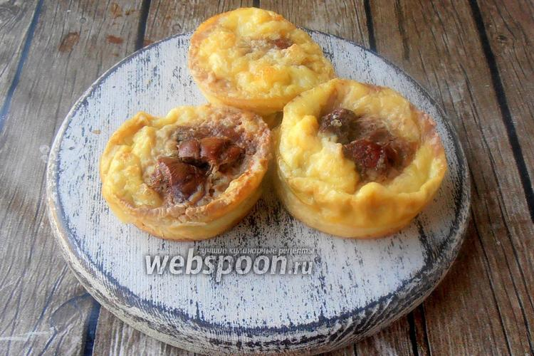Фото Закусочные кексы без муки с фаршем и куриной печенью