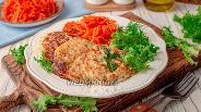 Фото рецепта Рыбные котлеты с творогом и кабачками