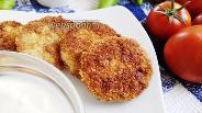 Фото рецепта Жареный колбасный сыр в панировке