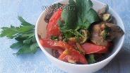 Фото рецепта Закуска из куриной печени с помидорами и хмели-сунели