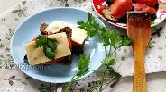 Фото рецепта Тосты из зернового хлеба с баклажаном и сыром