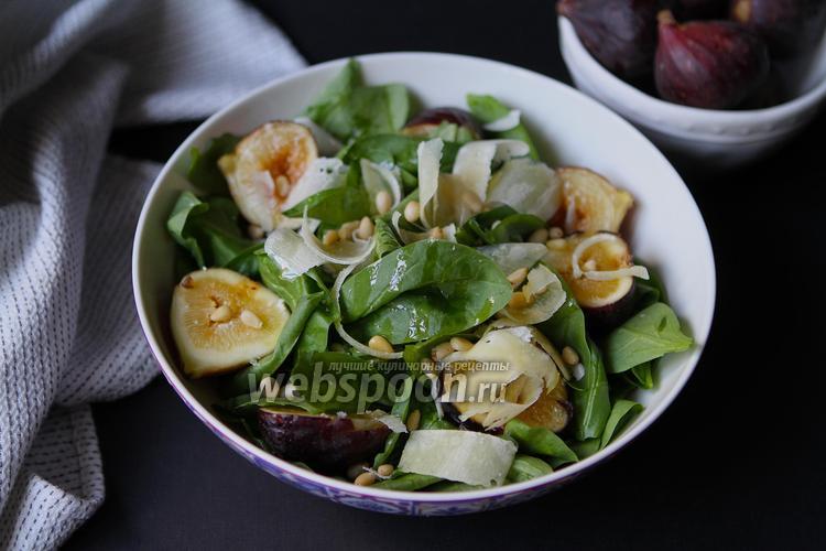 Фото Салат из шпината с инжиром