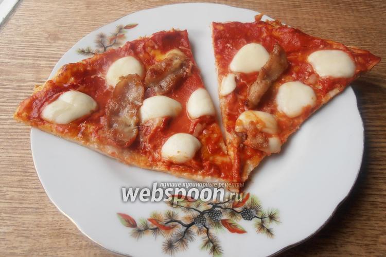 Фото Кето пицца на курином корже с беконом и моцареллой без глютена